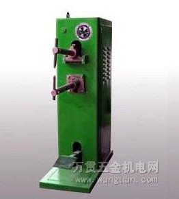 电焊机/电焊机是利用正负两极在瞬间短路时产生的高温电弧来熔化电焊条...