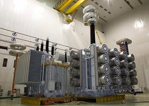 首台解体式特高压变压器特殊试验完成