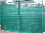 昂泰网业生产浸塑护栏网