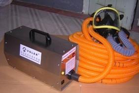 1-3人用電動送風長管呼吸器