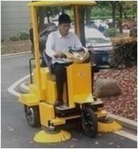 青岛弗雷沃驾驶式扫地车清扫车