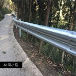 四川高速公路波形护栏板生产厂家波形梁防撞护栏板施工