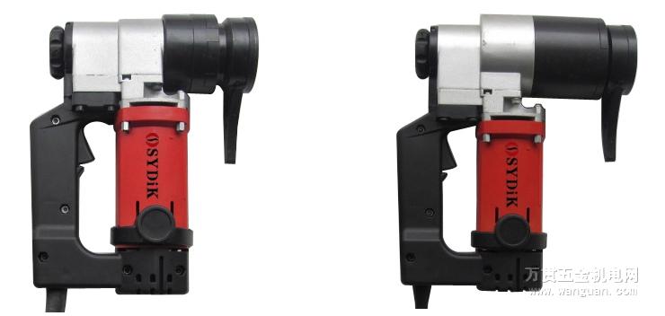 定扭矩電動扳手是螺栓螺母裝卸的理想工具,廣泛應用於鋼結構建設,橋梁、鐵路、鍋爐、搭架、電力、鋼鐵、石化、重工機械制造等領域。  可以通過扭矩控制儀控制扭矩,當達到設定的扭矩值時,扳手自動停止作業,完成螺栓的緊固。  運轉平穩、安全可靠、操作方便。
