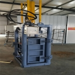 自产自销新型铁麒麟30吨立式液压废塑料打包机