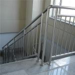 304不銹鋼焊接管材現貨鏡面樓梯扶手管材