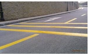 惠州小区停车场划线专业施工班子 反光标志牌 交通信号灯生产安