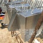 普宇金屬網籃生產不銹鋼網筐機械零部件打磨光滑