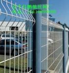 桃型柱护栏网厂家,折弯护栏网价格,场区护栏网