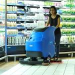 容恩电瓶式洗地机R70BT|工厂清洗塑胶地面用洗地机