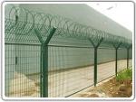供应苏州电塔护栏网 防爬铁丝网 监狱护栏网批发价格
